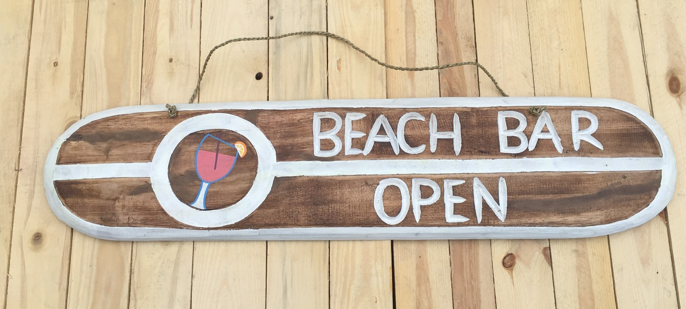 Holzschild Beach Bar Open – Strandliebe