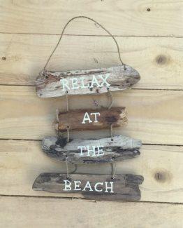 holzhaneger relax at the beach (Medium)